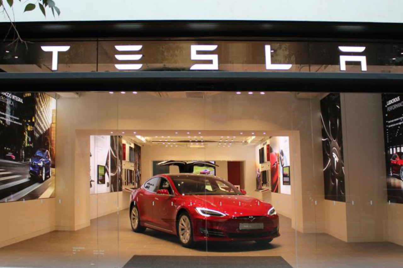 Tesla Opens Permanent Store in Spain, Second Planned - Wards Auto